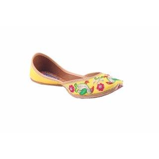 MSC Women's Yellow Slip on Leather Jutti