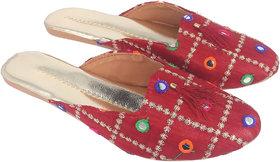 Be You Women Maroon Mirror Work Traditional Flats / Ethnic Footwear