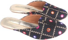 Be You Women Black Mirror Work Traditional Flats / Ethnic Footwear