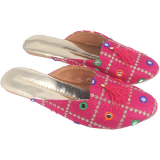 Be You Women Pink Mirror Work Traditional Flats / Ethnic Footwear