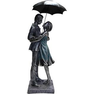 Paras Magic Couple Showpiece with Umbrella(4.25x3.75x16.25)