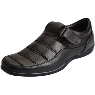 Bata Mens Outdoor Floaters And Sandals