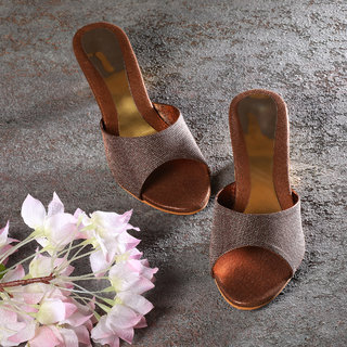 Sindhi Footwear Women's Copper Synthetic Leather Sandals