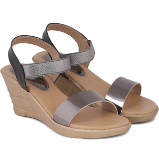 Sindhi Footwear Grey Casual Sandals