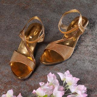 Sindhi Footwear Women's Golden Rexin Ethnic Sandals