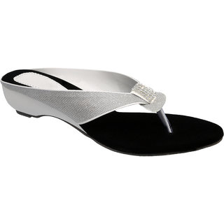 Sindhi Footwear Women's Silver Rexin Ethnic Sandals