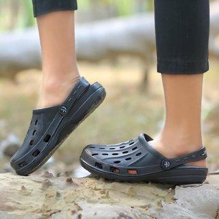 c3cbf6358 Buy Svaar Light Weight Black Crocs Online - Get 63% Off
