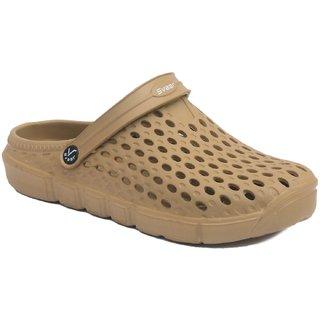 f6cd74a15 Buy Svaar Designer Gold Men s Crocs Online - Get 65% Off