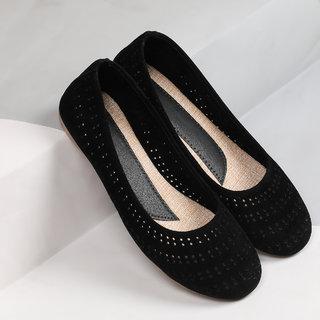 Sindhi Footwear Women's Black Synthetic Leather Bellies
