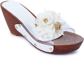 Sapatos Women White Slip-On Wedges