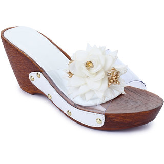 Sapatos Women White Slip-On Wedges