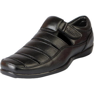 Bata Men's Black Outdoor Sandals and Floaters