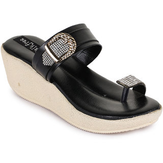 Walkfree Casual Black Wedges